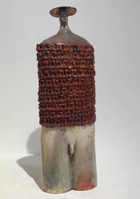 Un busto in ceramica