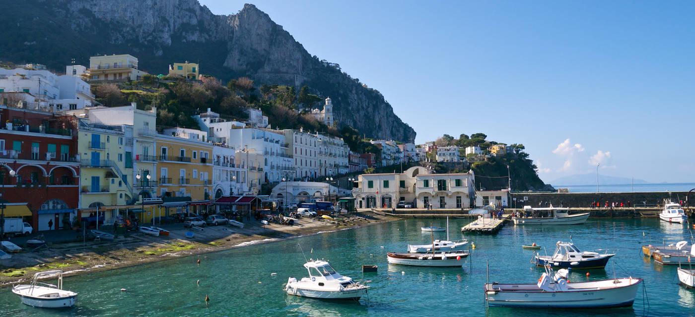 how to get around in capri italy