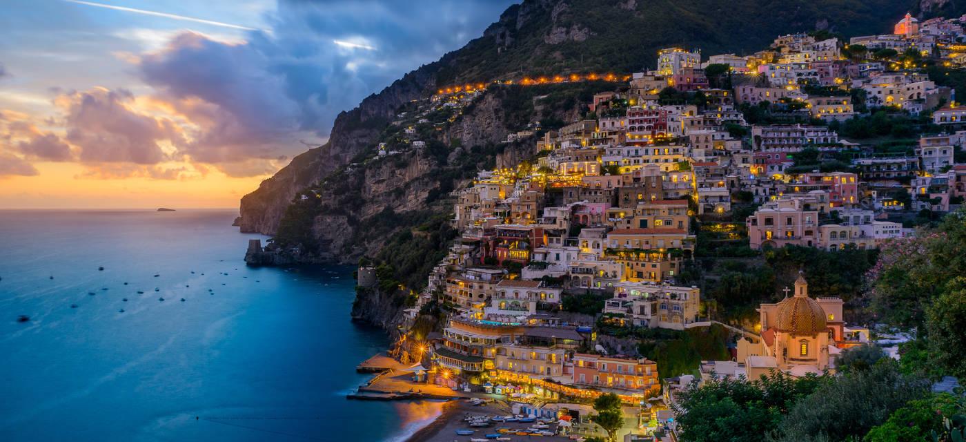 Tempat wisata romantis: Capri Island, Italia.