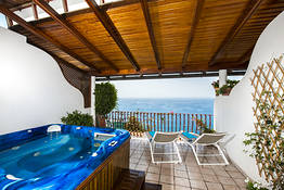 Suite Jacuzzi sea view