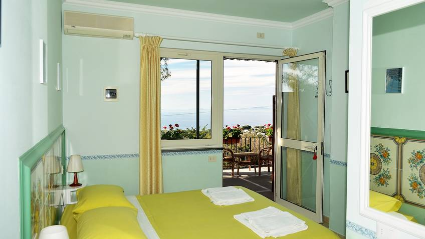Double room with sea view terrace