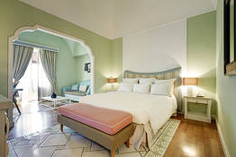 Junior Suite vista giardino/ cortile