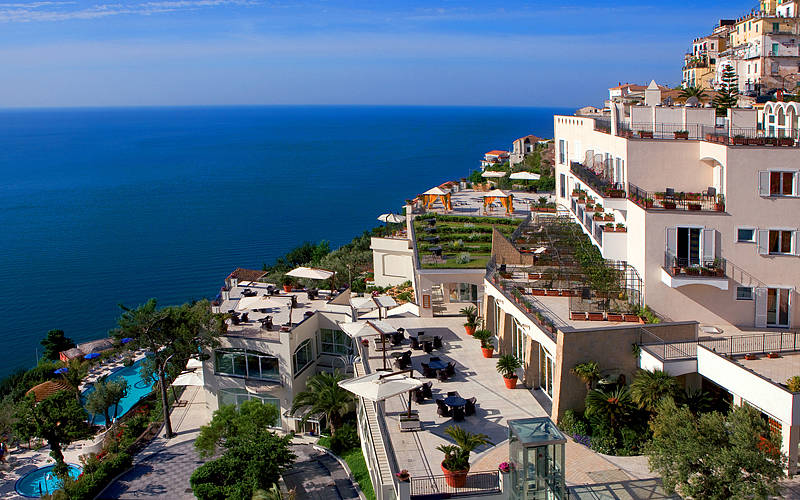 Hotel raito vietri sul mare rates availability and for Hotel barcellona sul mare