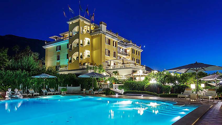 Grand Hotel La Medusa Hotel 4 estrelas Castellammare di Stabia