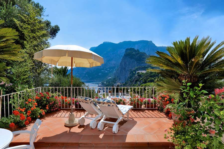 Villa brunella small boutique hotels capri for Small boutique hotels