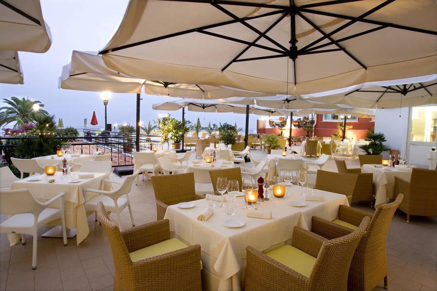 Foto e immagini taormina hotels photogallery - Hotel ai giardini naxos ...