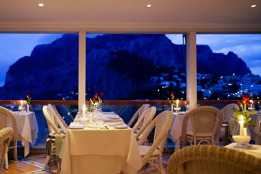 Restaurant Terrazza Brunella on Capri: The terrace above the bay