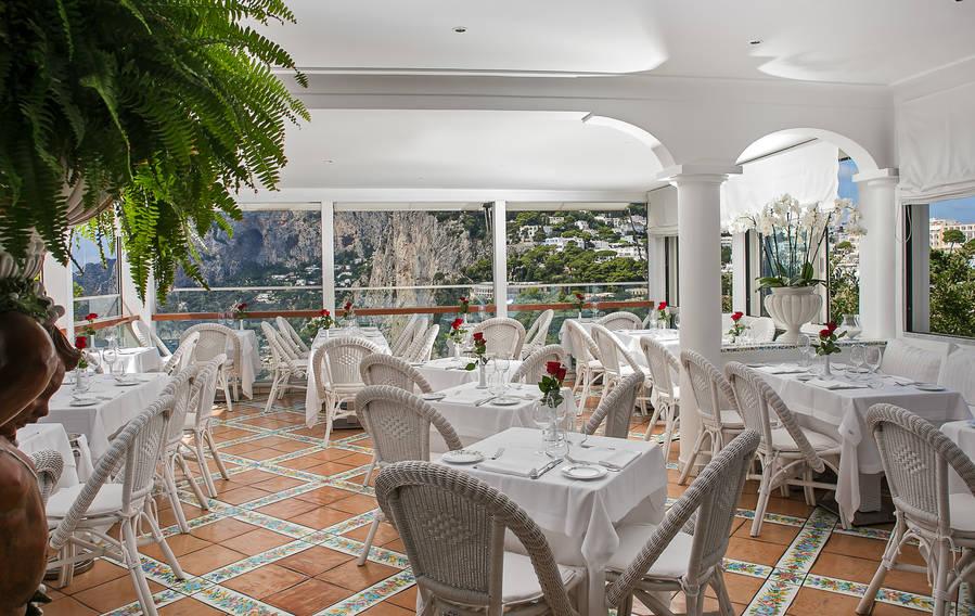 Restaurant Terrazza Brunella On Capri The Terrace Above The Bay