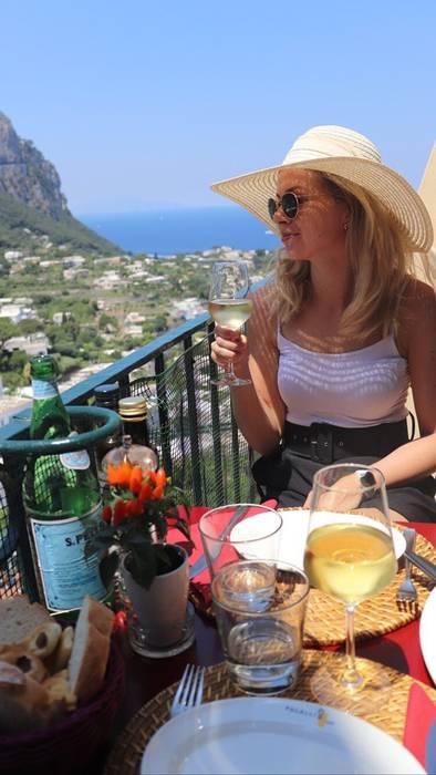 Restaurant Pulalli Wine Bar On Capri Eat And Dream Beside
