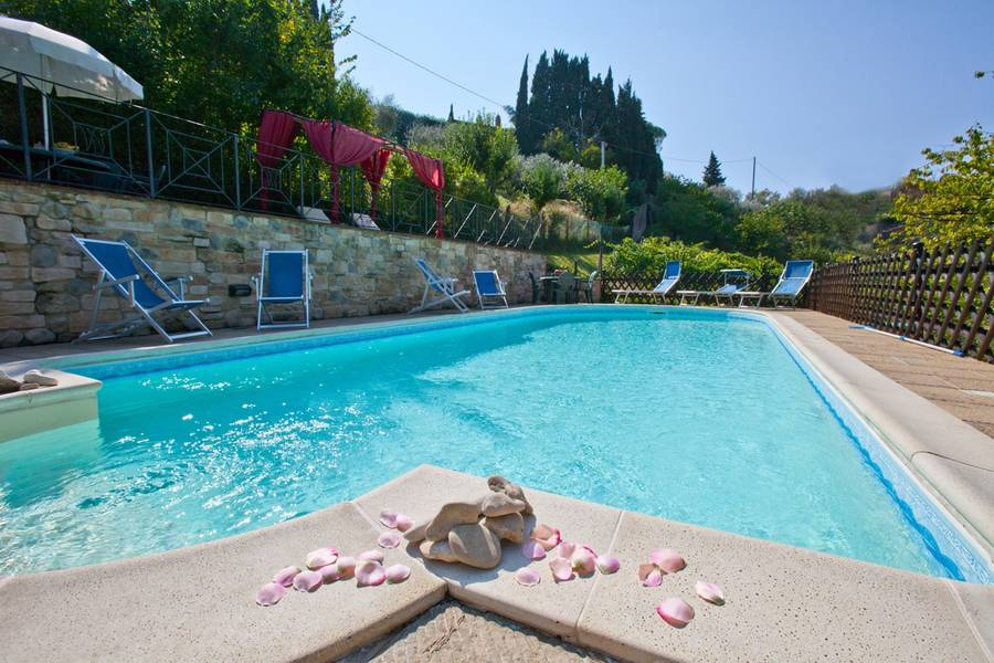 Villa nuba charming apartments perugia and 46 handpicked hotels in the area for Hotels in orvieto with swimming pool