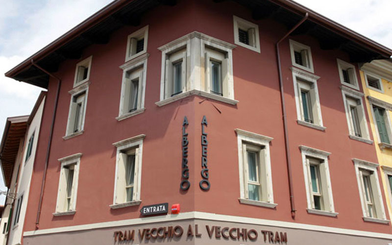 Gemona del friuli hotels images italy photo gallery for Designhotel udine