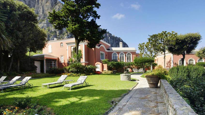 Villa camelia capri 3 reasons to book here capri booking for Villas in capri