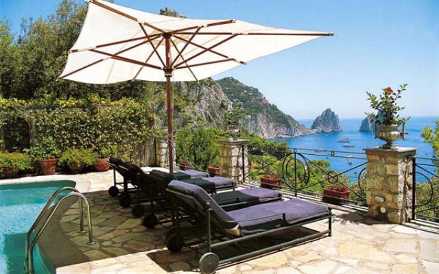 Villa faraglioni capri 3 reasons to book here capri for Capri villa