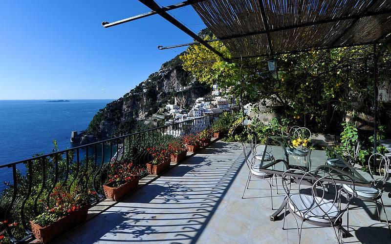 Villa magia positano ville in costiera amalfitana for Piani domestici della carolina costiera