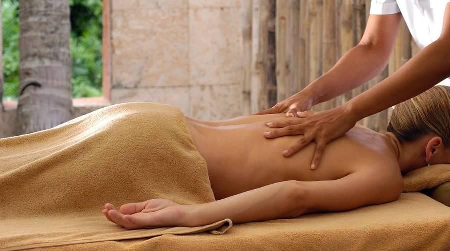 красивой пышногрудой сучке делают массаж - 9