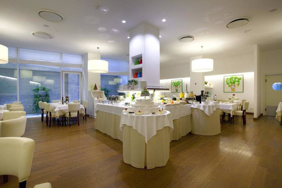 sorrento hotel plaza sorrento rates availability and. Black Bedroom Furniture Sets. Home Design Ideas