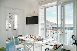 Corricella Exclusive Loft - Gioia Apartments