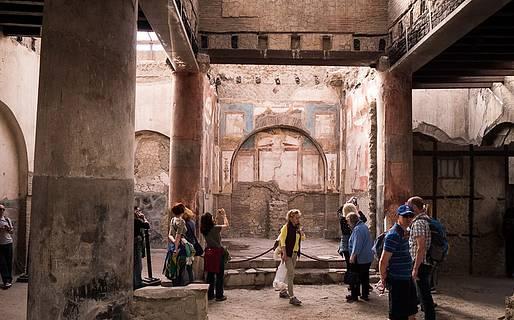 Visiting The Ruins of Herculaneum