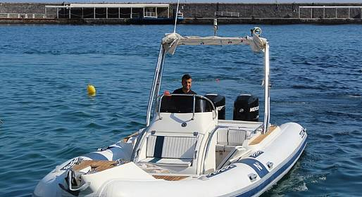Capri Boat Service - Intera giornata in gommone a Capri 40 cv
