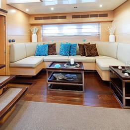 Capri Boat Service - Tour luxury a Capri, su Yacht Ludi Cerri 86