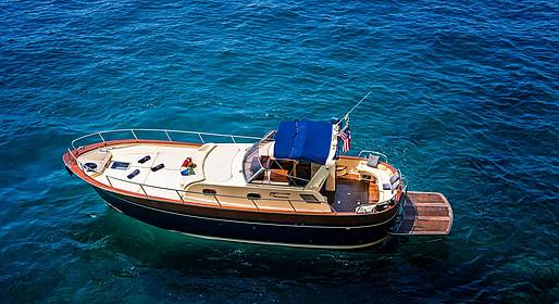 Sea Living - Private Boat Transfer between Positano and Naples
