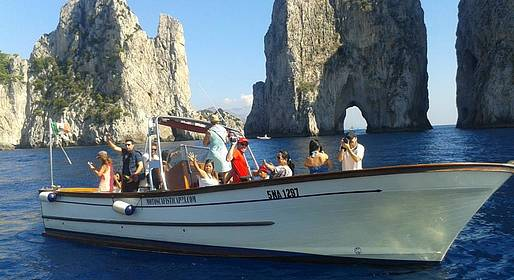 Motoscafisti di Capri - Island Tour + Stop by Blue Grotto - Yellow Line