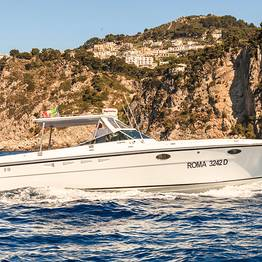 Capri Relax Boats - Exclusive tour by motorboat Itama 38 around Capri