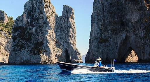 Capri Relax Boats - Capri and the Amalfi Coast by lancia boat (10 mt)