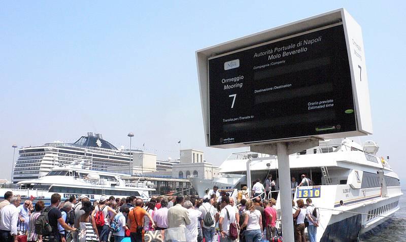 Aeroporto A Capri : Prenota transfer auto aliscafo capri booking