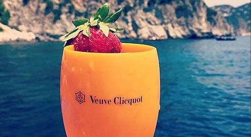 Capri Luxury Boats - Capri Gozzo Boat Tour