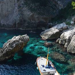 Full Day Capri Boat Tour by Gozzo Boat + Nerano Lunch