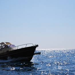 Plaghia Charter - Full-Day Boat Tour of Capri by Aprea 7.50 Gozzo Boat