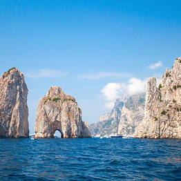 Plaghia Charter - Luxury Boat Tour of Capri via Itama 38