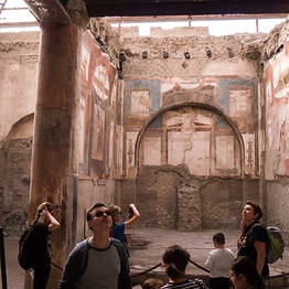 Goldentours - Tour of Pompeii and Herculaneum