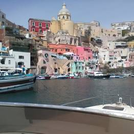 Full-day Procida & Ischia Boat Tour by Luxury Speedboat