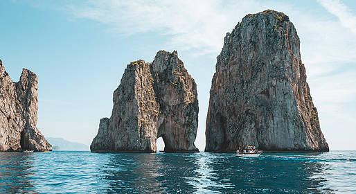 Vincenzo Capri Boats - Capri in gozzo: escursione con barca tipica