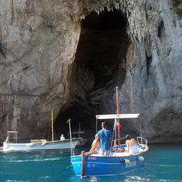 Vincenzo Capri Boats - Capri mezza o intera giornata su gozzo privato