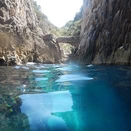 L'escursione in motoscafo a Capri
