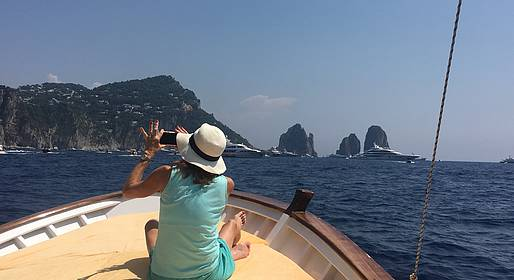 Nesea Capri Tour - Boat tour around Capri island