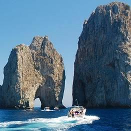 Capri Whales - Capri Rubber Dinghy Rental (40 hp, no license required)