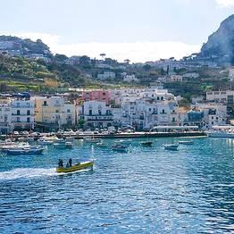 Capri Whales - Capri Rubber Dinghy Rental (250 hp, license required)
