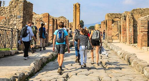 HP Travel - Pompeii and Mt. Vesuvius: Guided Tour from Capri