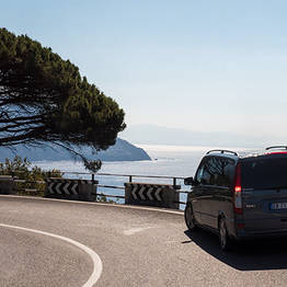 Star Cars - Private Transfer: Naples to Salerno (or vice versa)