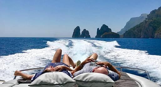 Positano Luxury Boats  - Capri: mezza giornata in barca con partenza da Positano