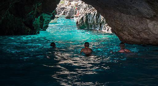 Capri Summer Tour - Capri: tour in barca + sosta alla Conca del Sogno
