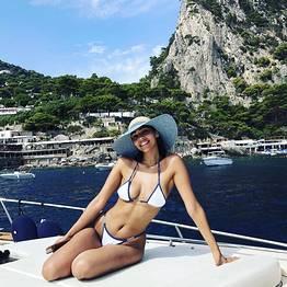 Charter System  - Small Marina Capri