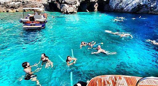Buyourtour - Tour in barca a Capri con pick-up ad Amalfi