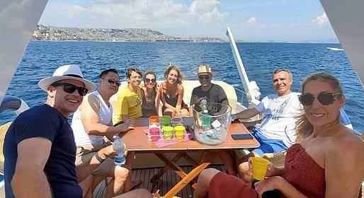 Pèpecello Yacht Tours - Sorrento: tour da Napoli su yacht privato (8 ore)