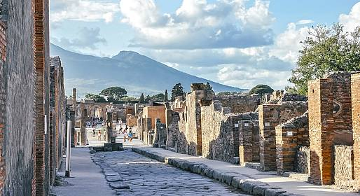 Astarita Car Service - Pompeii-Herculaneum-Naples Archaeological Museum Tour