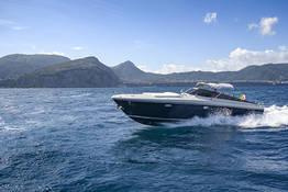 Napoli - Capri (o viceversa): transfer in barca privata